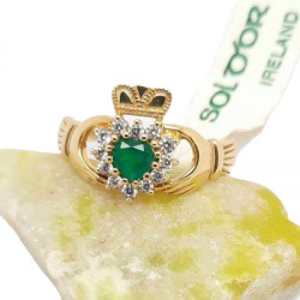 Irish 10 Karat Gold Claddagh Ring with Green Agate Heart
